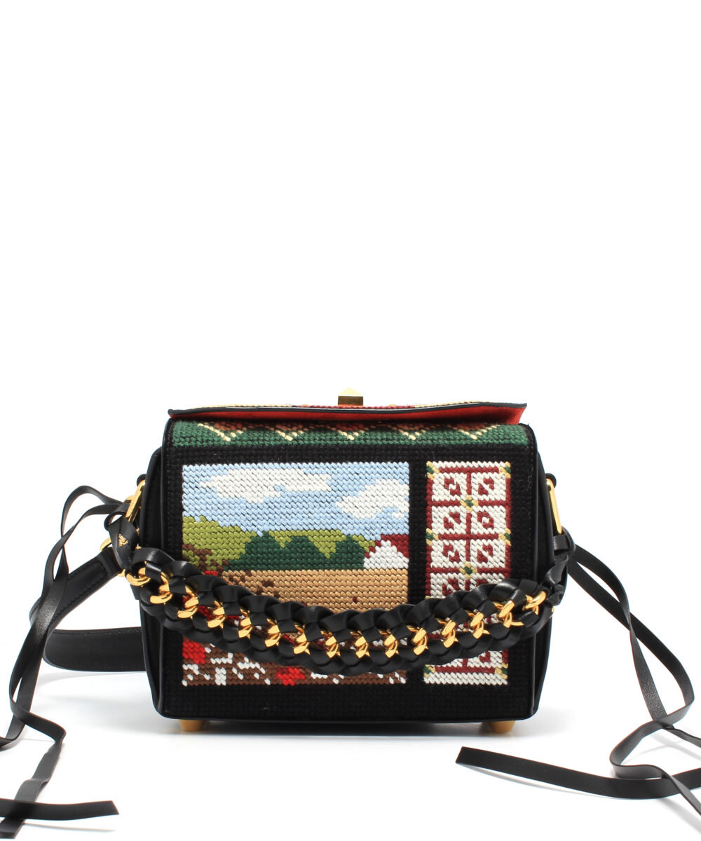 Alexander McQueen-Box-Bag-19-Embroidery-Black-Designerväska Rea