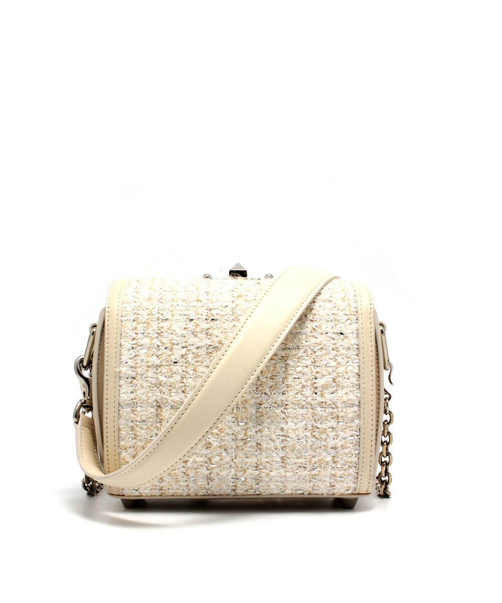 AMQ-Box-Bag-19-Off-White-5011059P21Y9001-Back