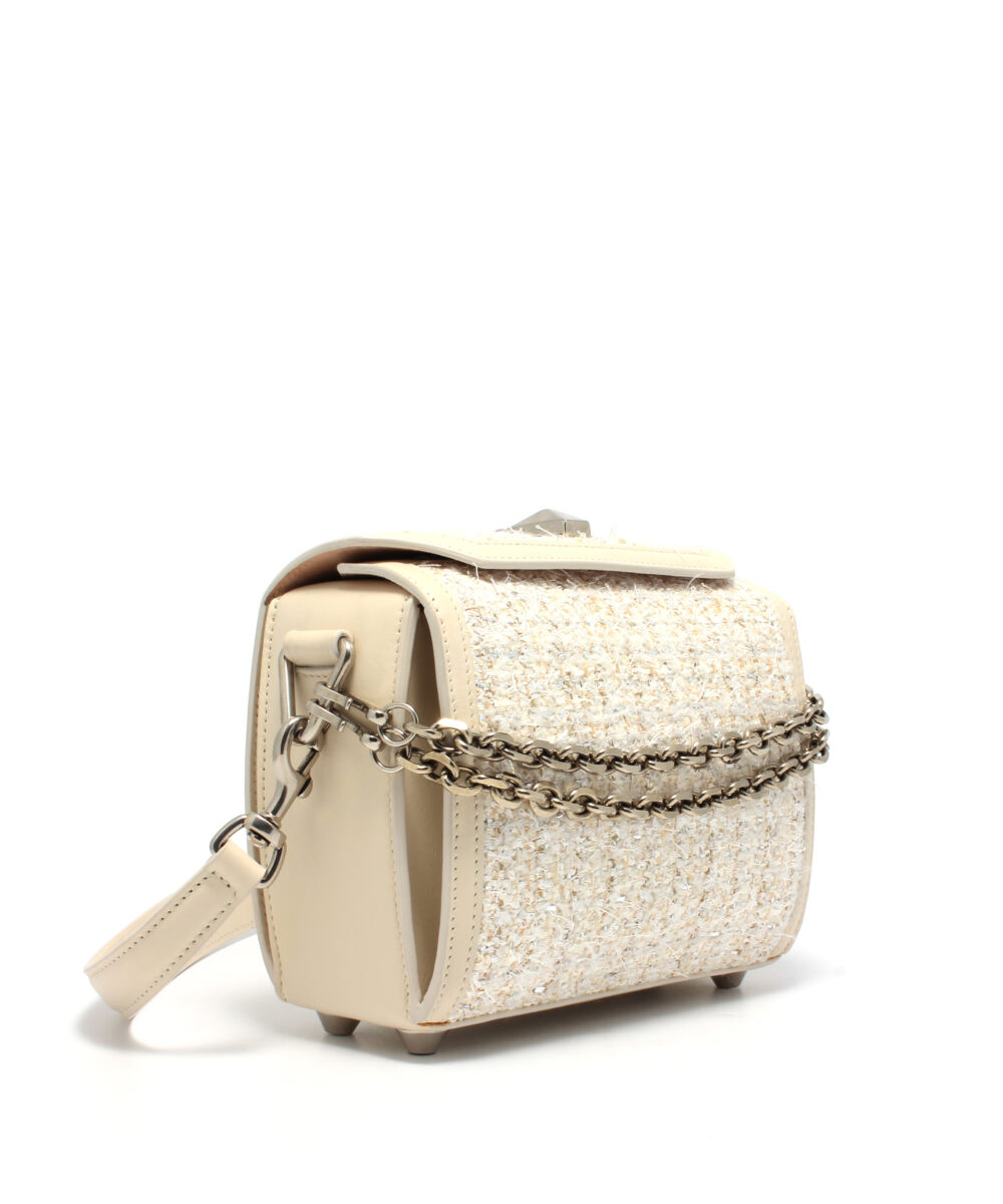 AMQ-Box-Bag-19-Off-White-5011059P21Y9001-Side-2