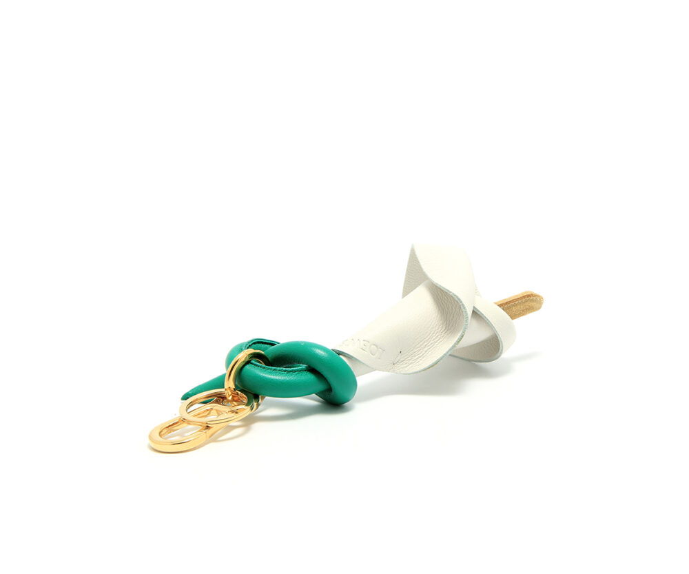 Loewe-Calla-Charm-White-Gold-11117114-2443-Side
