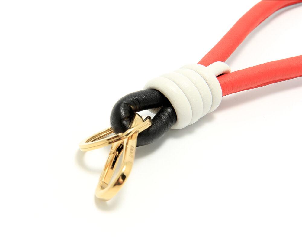 Loewe-Handle-Knot-Keyring-Black-White-Red-11117001-8933-Detail
