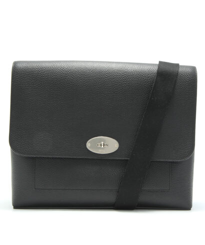 Mulberry-east-west-antony-black-hh4523-346a100-front