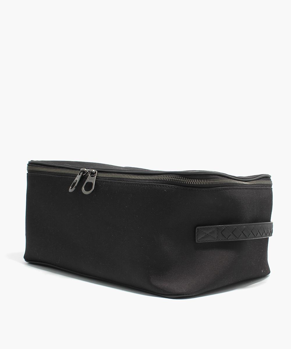 BV-Hi-Tech-Shoe-Case-Nero-452021VAYE51000-Handle